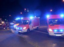25.09.2016 ++Leichlingen++ Schwerer Unfall in Kreuzungsbereich - Mehrere Personen verletzt  In der Nacht kam es in Leichlingen gegen 00:45 Uhr im Kreuzungsbereich Opladener Straße / Rothenberg zu einemVerkehrsunfall bei dem mehrere Personen verletzt wurden.Die genauen Hintergründe für den Unfall sind derzeit noch unklar. Die Polizei hat die Ermittlungen zur Unfallursache aufgenommen.Im Einsatz waren insgesamt 4 Rettungswagen, 1 Notarzteinsatzfahrzeug, sowie die Polizei. *** Local Caption *** 25.09.2016 ++Leichlingen++ Schwerer Unfall in Kreuzungsbereich - Mehrere Personen verletzt  In der Nacht kam es in Leichlingen gegen 00:45 Uhr im Kreuzungsbereich Opladener Straße / Rothenberg zu einemVerkehrsunfall bei dem mehrere Personen verletzt wurden.Die genauen Hintergründe für den Unfall sind derzeit noch unklar. Die Polizei hat die Ermittlungen zur Unfallursache aufgenommen.Im Einsatz waren insgesamt 4 Rettungswagen, 1 Notarzteinsatzfahrzeug, sowie die Polizei.