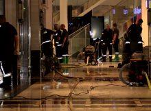 27.09.2016 ++Düsseldorf++ Wasserschaden in den Schadow-Arkaden - Großeinsatz für die Feuerwehr  Die Feuerwehr Düsseldorf wurde gegen 23:10 Uhr zu einem großen Wasserschaden in den Schadow-Arkaden alarmiert. Mehrere Stunden lang war ein Großaufgebot an Einsatzkräften damit beschäftigt, den Wasserschaden zu beseitigen. Nach ersten Informationen löste vermutlich einbeschädigtes Wasserrohr den Großeinsatz aus. *** Local Caption *** 27.09.2016 ++Düsseldorf++ Wasserschaden in den Schadow-Arkaden - Großeinsatz für die Feuerwehr  Die Feuerwehr Düsseldorf wurde gegen 23:10 Uhr zu einem großen Wasserschaden in den Schadow-Arkaden alarmiert. Mehrere Stunden lang war ein Großaufgebot an Einsatzkräften damit beschäftigt, den Wasserschaden zu beseitigen. Nach ersten Informationen löste vermutlich einbeschädigtes Wasserrohr den Großeinsatz aus.