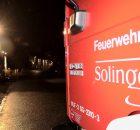 23.02.2017 ++Solingen++ Pegelstände der Wupper erreichten bedrohliches Maß - Sandsackbarriere aufgebaut  Die Feuerwehr Solingen beschäftigte neben diversen Sturmeinsätzen die steigenden Pegelstände von Eschbach und Wupper. Ein Einsatzleiter kontrollierte regelmäßig die Pegelstände und stand hierbei in enger Abstimmung mit einem Hydrologen des Wupperverbandes. Als am frühen Abend die Pegelstände der Wupper weiter anzusteigen drohten, wurde vorsorglich im Bereich der Wipperaue eine Sandsackbarriere durch die Löscheinheiten Rupelrath und Merscheid der Freiwilligen Feuerwehr errichtet. *** Local Caption *** 23.02.2017 ++Solingen++ Pegelstände der Wupper erreichten bedrohliches Maß - Sandsackbarriere aufgebaut  Die Feuerwehr Solingen beschäftigte neben diversen Sturmeinsätzen die steigenden Pegelstände von Eschbach und Wupper. Ein Einsatzleiter kontrollierte regelmäßig die Pegelstände und stand hierbei in enger Abstimmung mit einem Hydrologen des Wupperverbandes. Als am frühen Abend die Pegelstände der Wupper weiter anzusteigen drohten, wurde vorsorglich im Bereich der Wipperaue eine Sandsackbarriere durch die Löscheinheiten Rupelrath und Merscheid der Freiwilligen Feuerwehr errichtet.