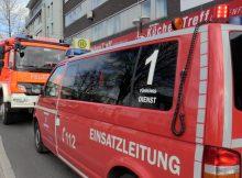 22.03.2017 ++Langenfeld++ Sehr zeitintensiver Brandeinsatz - Spezielle Kamera von der Feuerwehr Düsseldorf angefordert  Die Feuerwehr Langenfeld wurde gegen 10:40 Uhr zu einem sehr zeitintensiven Einsatz auf die Hauptstraße alarmiert. Im Keller eines Gebäudes war starker Brandgeruch wahrnehmbar. Die Einsatzkräfte suchten nach der Ursache. Nach einiger Zeit wurde im Außenbereich eineBrandstelle lokalisiert. Der Schwelbrand befand sich in einem Bereich zwischen den Häusern. Umgehend wurde mittels Kleinlöschgerät und CO²-Feuerlöschern der Brand gelöscht. Im Rahmen der überörtlichen Hilfe wurde von der Feuerwehr Düsseldorf eine spezielleEndoskopkamera angefordert, mit der der Bereich kontrolliert werden konnte. Der Einsatz war um 15:00 Uhr beendet. *** Local Caption *** 22.03.2017 ++Langenfeld++ Sehr zeitintensiver Brandeinsatz - Spezielle Kamera von der Feuerwehr Düsseldorf angefordert  Die Feuerwehr Langenfeld wurde gegen 10:40 Uhr zu einem sehr zeitintensiven Einsatz auf die Hauptstraße alarmiert. Im Keller eines Gebäudes war starker Brandgeruch wahrnehmbar. Die Einsatzkräfte suchten nach der Ursache. Nach einiger Zeit wurde im Außenbereich eineBrandstelle lokalisiert. Der Schwelbrand befand sich in einem Bereich zwischen den Häusern. Umgehend wurde mittels Kleinlöschgerät und CO²-Feuerlöschern der Brand gelöscht. Im Rahmen der überörtlichen Hilfe wurde von der Feuerwehr Düsseldorf eine spezielleEndoskopkamera angefordert, mit der der Bereich kontrolliert werden konnte. Der Einsatz war um 15:00 Uhr beendet.