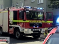 Motorroller brannte vor einem Mehrfamilienhaus in voller Ausdehn