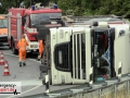 Schwerer LKW-Unfall im Autobahndreieck Neuss-Süd - Vollsperrung