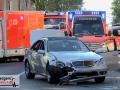 Schwerer Unfall zwischen 3 Autos - 6 Personen wurden verletzt