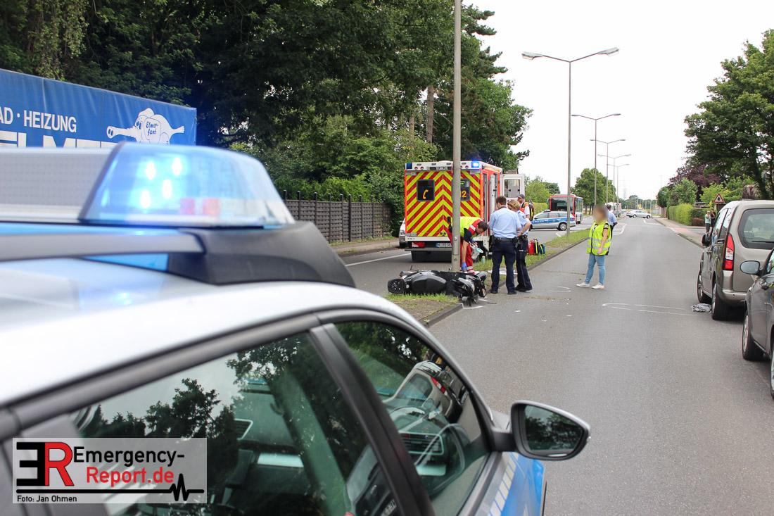 Dormagen - Horrem - Zwei Schwerverletzte nach Unfall mit Motorrroller